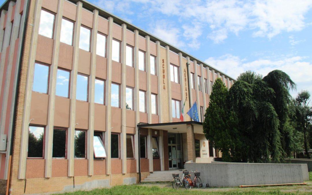 Proyecto de instalación de lámina Solarcheck en un instituto de Caravaggio, Italia.